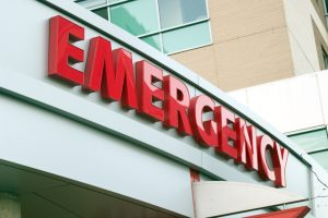 How should I choose my emergency dentist in 77077?